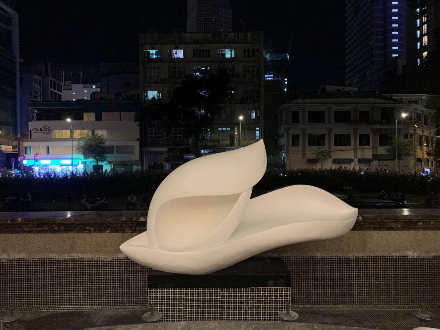 Sculpture Hyatt Saigon